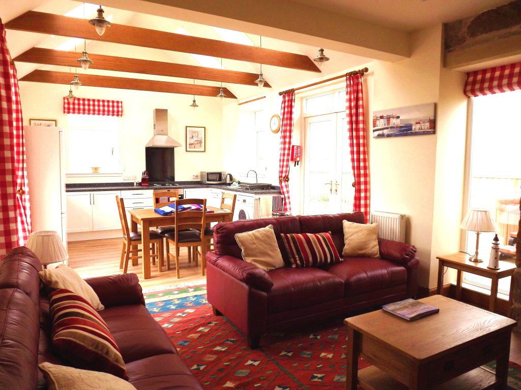kitchen-lounge-adjusted